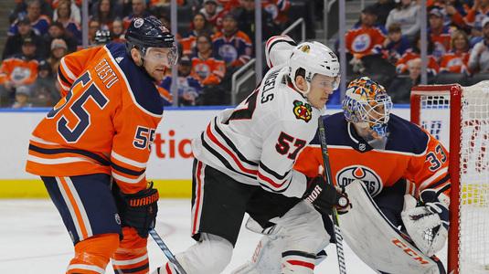 În ultimul meci transmis în direct de Telekom Sport din NHL în 2017, Edmonton şi Chicago au făcut spectacol la Rogers Arena