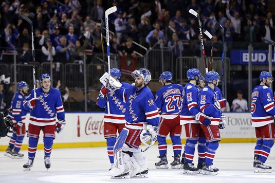 Chicago şi-a încheiat seria de 6 meciuri în deplasare cu o victorie răsunătoare, 5-2 cu New York Rangers