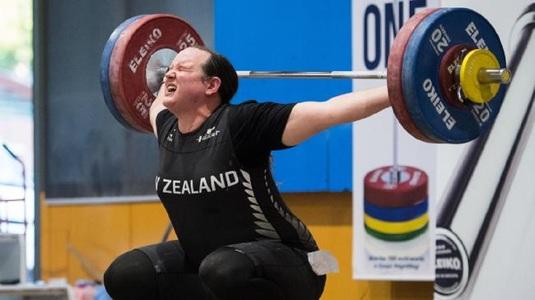 SCANDAL la CM de haltere după ce o atletă transgender din Noua Zeelandă a fost medaliată cu argint
