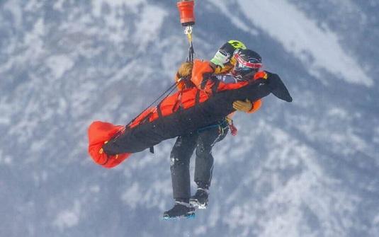 Schiorul Matthieu Bailet a suferit o fractură şi o luxaţie la umăr după ce a căzut în proba de coborâre de la Bormio
