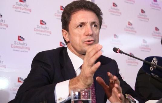 În ziua în care împlineşte 50 de ani, Gică Popescu va intra în direct la Telekom Sport