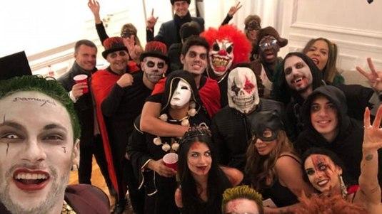 """Galerie FOTO. Cum s-au costumat starurile din fotbal de Halloween. Neymar, """"Joker"""". Patrice Evra a întrecut măsura :)"""