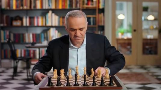 """Garry Kasparov e la Bucureşti! """"Nu e totul să ajungi campion mondial, ci să găseşti mereu noi provocări"""""""