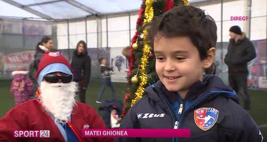 VIDEO   Moş Crăciun a ajuns şi la şcoala de fotbal a lui Petre Marin! Ce cadou a primit Matei Ghionea, fiul lui Sorin Ghionea :)