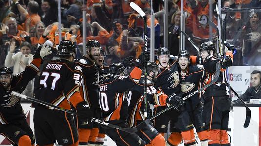 VIDEO | Faceţi loc, se patinează. Rezumatele meciurilor din NHL