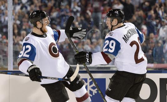 VIDEO |  Au sărit peste mantinele. Super momente în rezumatele NHL