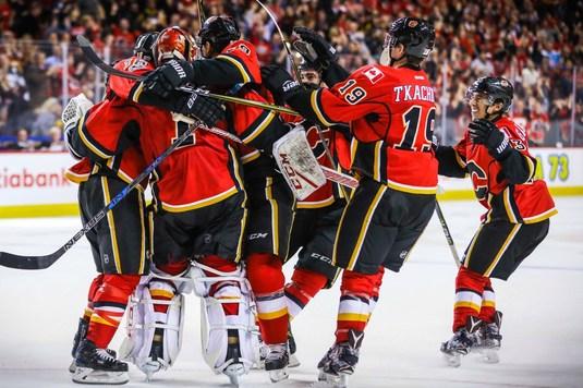 VIDEO | Lupte între mantinele. Rezultate surpriză în drumul către play off-ul din NHL