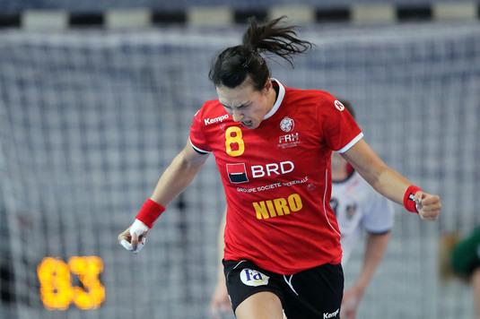"""Mesajul celor de la FCSB pentru naţionala de handbal feminin a României: """"Felicitări pentru cele trei victorii! Să veniţi acasă cu medaliile la gât"""""""