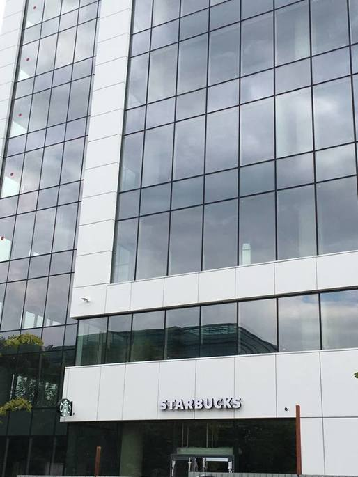 Starbucks merge după Enel în Day Tower