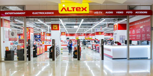 Altex începe Black Friday
