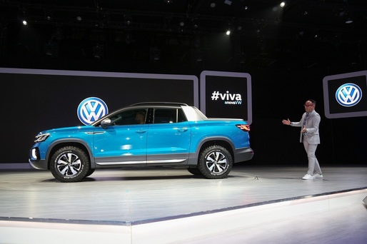 FOTO VW a prezentat noul pick-up Tarok, care va concura direct Duster Oroch, în America de Sud