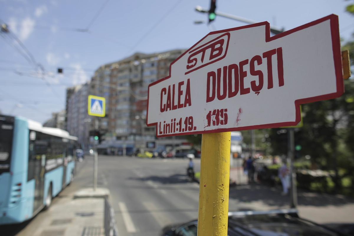 FOTO Autobuzele din București vor circula și pe linia de tramvai