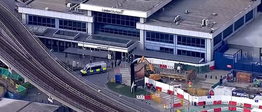 VIDEO Dispozitive explozive găsite la Londra, la aeroporturile Heathrow și London City și la o stație de metrou