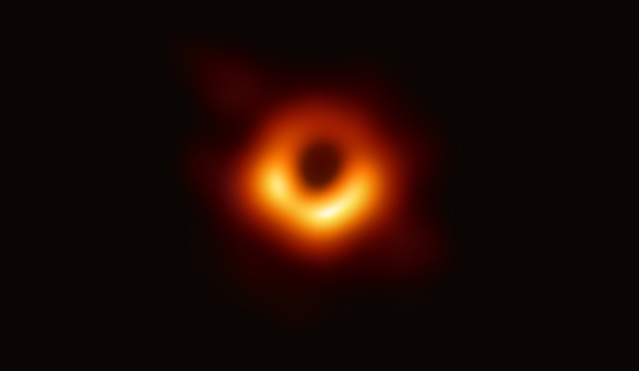FOTO & VIDEO Cercetătorii de la Event Horizon Telescope au prezentat prima imagine a unei găuri negre
