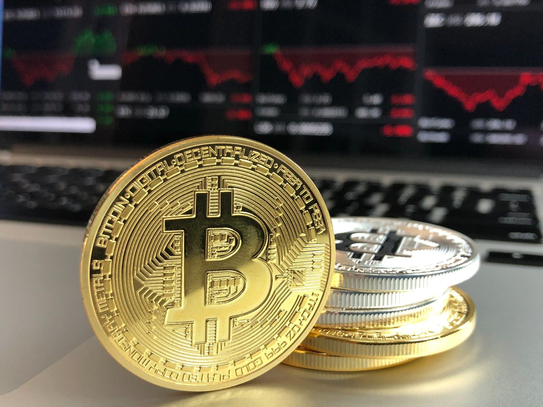 bitcoin coboară