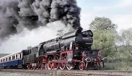 Trenul Regal, cu care sicriul cu corpul neînsufleţit al regelui Mihai va fi dus la Curtea de Argeş, a fost inaugurat în 1928