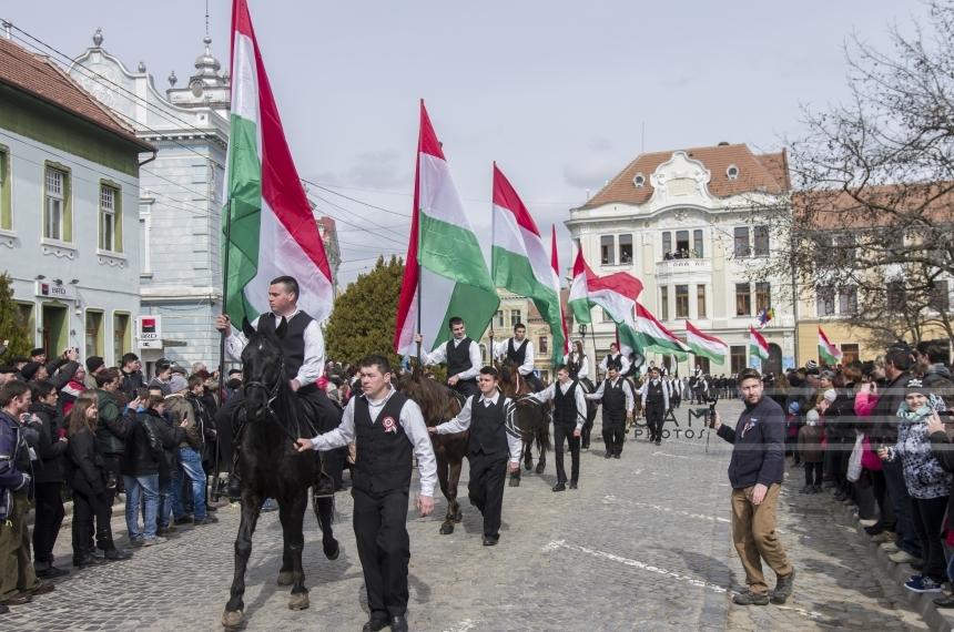 Imagini pentru Maghiarii din România