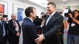 Iohannis, după întâlnirea cu Macron: Am discutat foarte pe scurt despre situaţia din ţară. Am asigurat că România e stabilă, nu e o problemă dacă se schimbă Guvernul