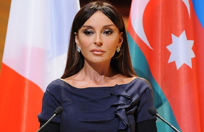 Femei Frumoase Azerbaijan   Sentimente