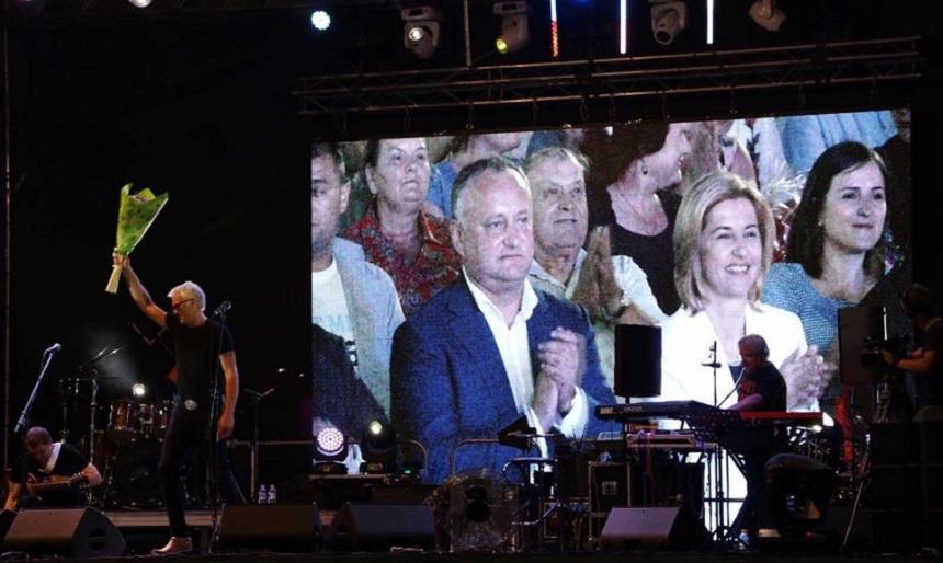 Dodon denunţă ideea unirii cu România într-o rară vizită în Găgăuzia