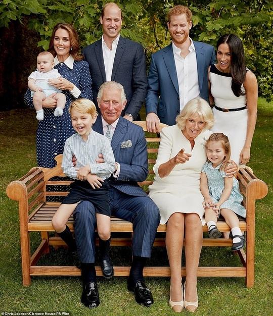 Fotografie realizată pentru a marca cea de-a 70-a aniversare a prinţului Charles