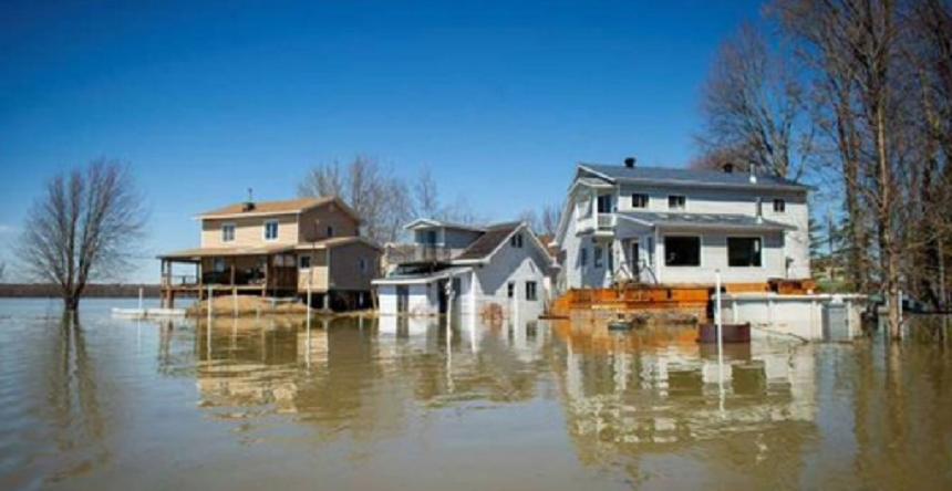 Peste 5.000 de persoane evacuate în provincia canadiană Quebec, după ce un dig de vegetaţie cedează