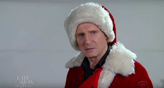 "Liam Neeson, un Moş Crăciun înfricoşător la ""The Late Show with Stephen Colbert"". VIDEO"
