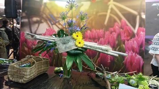 Ziua Olandei: Concurs cu 50 de florişti români şi demonstraţie regală de aranjamente florale, la Athenee Palace Hilton
