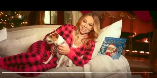 """All I Want for Chritmas Is You"", cântată de Mariah Carey, a intrat pentru prima dată în Top 10 din Billboard 100"