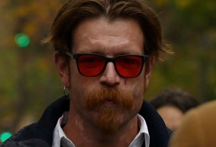 "Solistul formaţiei Eagles of Death Metal îi acuză de ipocrizie pe manifestanţii ""March of Our Lives"""