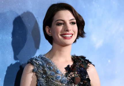"Anne Hathaway va juca într-o nouă adaptare a ""The Witches"", regizată de Robert Zemeckis"
