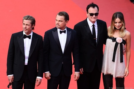 "Cannes 2019 - ""Viva Tarantino"": Cineastul, alături de DiCaprio, Pitt şi Robbie, la premiera ""Once Upon a Time in Hollywood"" VIDEO"