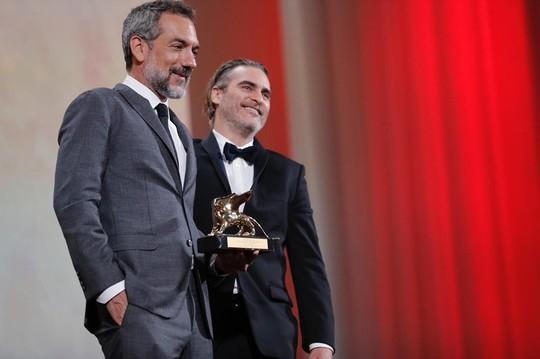 Todd Phillips şi Joaquin Phoenix