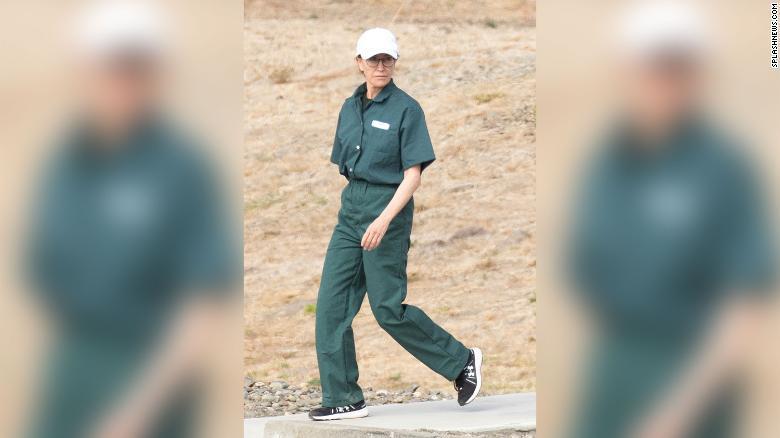 Actriţa Felicity Huffman, fotografiată în închisoarea din California