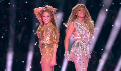 Shakira şi Jennifer Lopez, show impresionant la Super Bowl - VIDEO