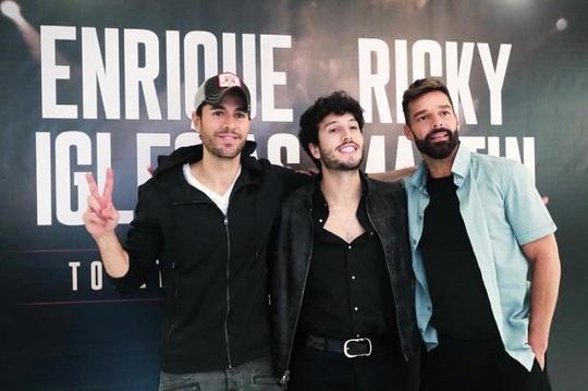 Enrique Iglesias, Sebastián Yatra şi Ricky Martin