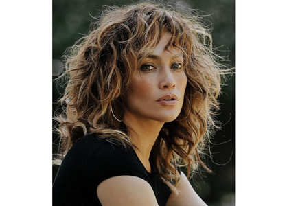 "Jennifer Lopez a pozat nud pentru coperta single-ului ""In The Morning"""