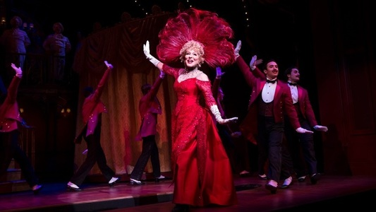"Bette Midler revine pe Broadway în musicalul ""Hello, Dolly!"""