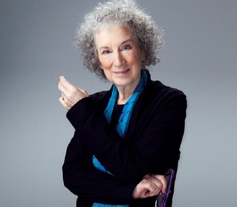 "Margaret Atwood scrie o continuare a romanului ""The Handmaid's Tale"""
