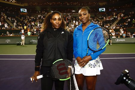 Venus Williams a învins-o pe Serena Williams, în turul al treilea, la Indian Wells. Simona Halep a fost în tribune