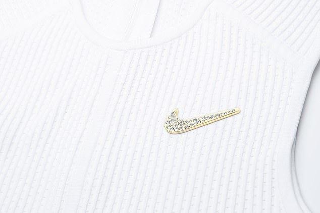 Serena Williams, broşă cu 34 de cristale Swarovski pe echipamentul pentru Wimbledon