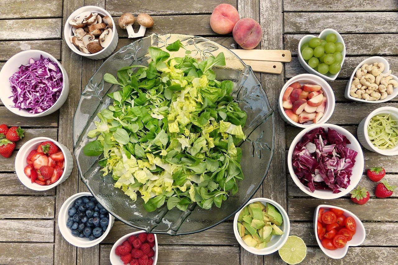 Trei reţete pentru vegetarieni. Gătește ieftin, rapid și bun!