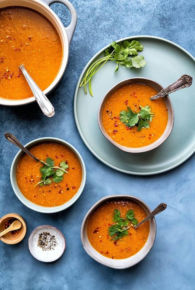 Mâncare rapidă de post - supă cremă de linte roşie şi cocos