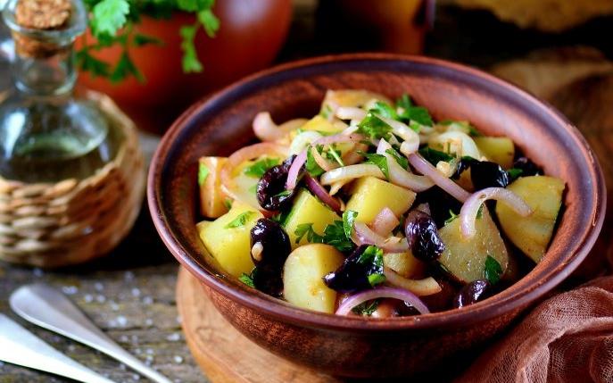 5 reţete simple pentru studenţi - se gătesc rapid şi uşor şi n-ai nevoie de multe ingrediente