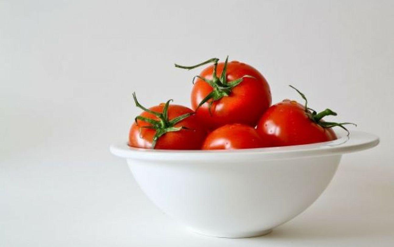 Alimentul MINUNE care îți protejează pielea și o întinerește. Consumă-l zilnic!