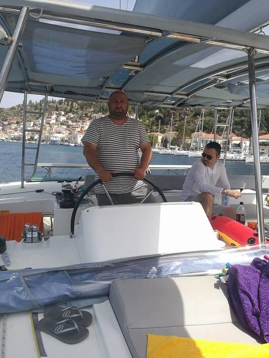 Chef Cătălin Scărlătescu, skipper pe marea Egee FOTO & VIDEO