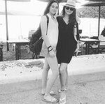 Corina Dănilă şi fiica sa se răsfaţă în Grecia FOTO&VIDEO