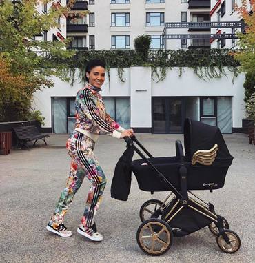 """Cu ce dietă îşi reintră în formă după naştere Adelina Pestriţu? """"Eu mă simt bine la 53-54 kg"""""""