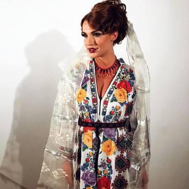 Fiica lui Adrian Enache, mireasa colecţiei Lizei Panait FOTO&VIDEO
