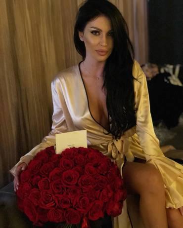 Anna Roman, fosta iubită a lui Cătălin Cazacu, şi-a prezentat colecţia pe catwalk